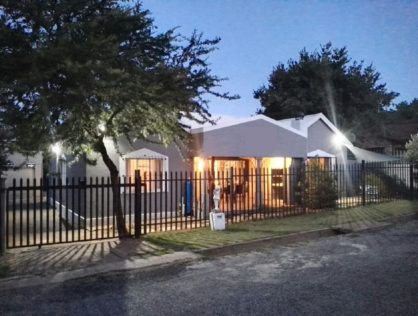 SELF CATERING UNITS IN PARYS – FREE STATE & 2 MINUTE WALK TO THE RIVER IN A LOVELY QUIET AREA