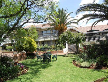 8 Km To Johannesburg International Airport —Benoni Homestead Lake