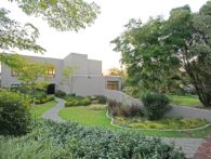 Beautiful Morningside guesthouse set in lush garden in the heart of Sandton